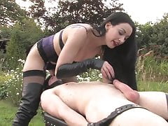 Slave gets ruined orgasm from evil mistress