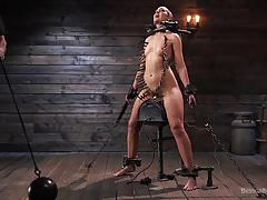Sub Lilith Luxe Has Her Head Shaved and Body Punished